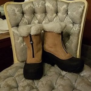 Ladies Size 7 Champion C9 Thermolite Winter Boots